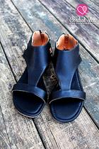 Monroe Mesa Sandals - Black