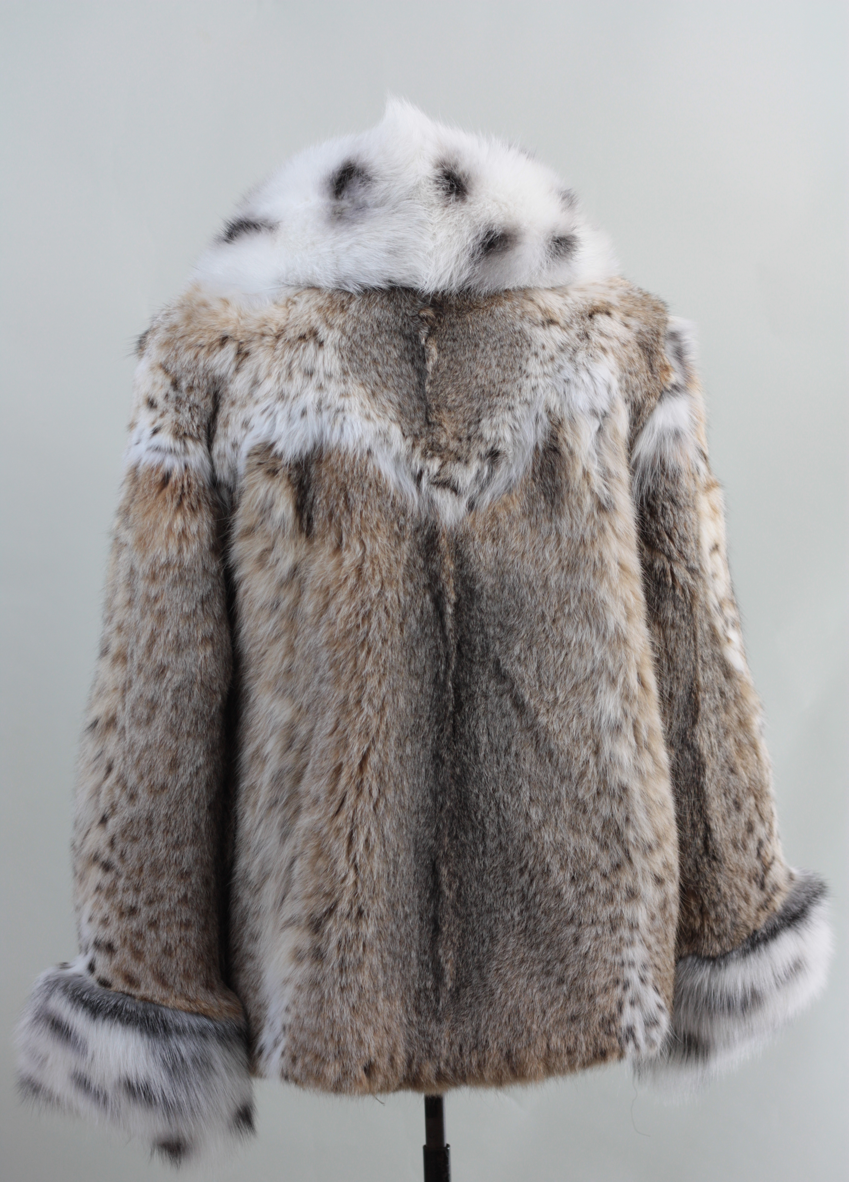 Lynx Fur Coat with Spotted White Fox Fur Collar and Cuffs Hip Length