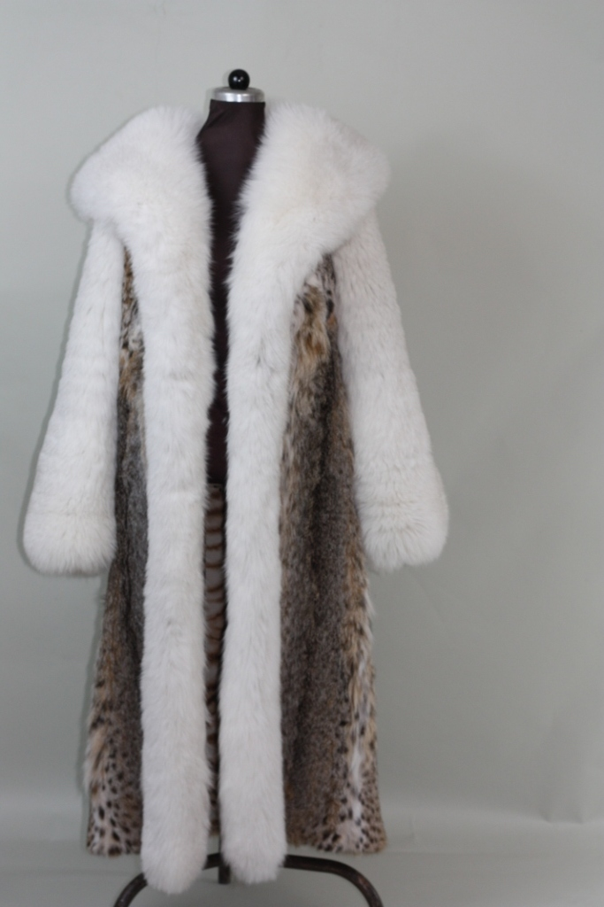 LYNX FUR COAT FULL LENGTHCOBRA HOOD WHITE FOX SLEEVES