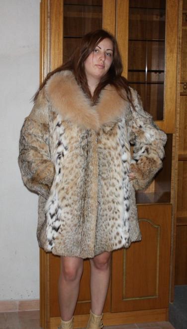 Lynx Bobcat Fur  Coat Beige  Fox Collar