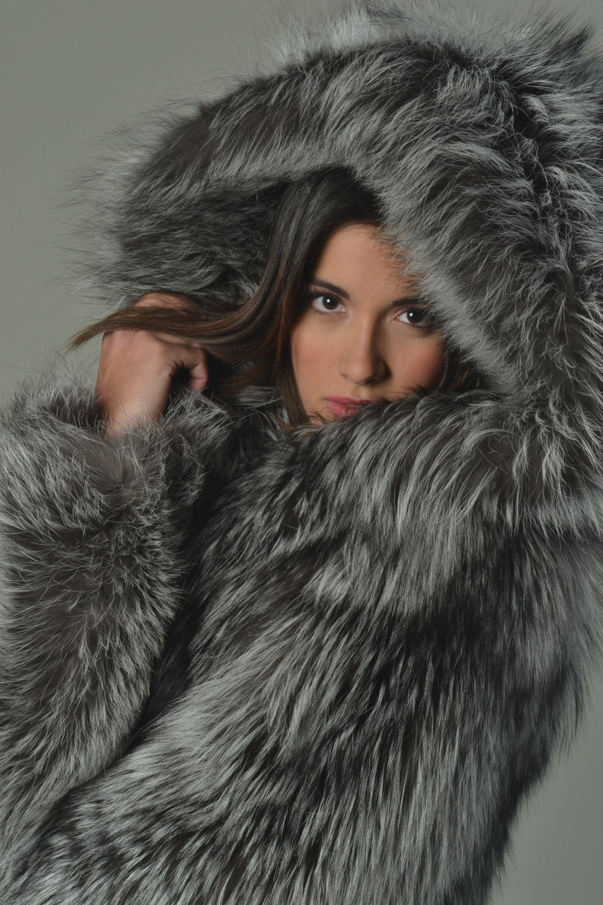 Find a great selection of women's fur coats & faux fur at whomeverf.cf Shop top brands like Trina Turk, Moose Knuckles & more. Moncler Fulmar Hooded Down Puffer Coat with Removable Genuine Fox Fur Trim. $2, New Markdown. Kenneth Cole New York Faux Fur Trim Puffer Jacket Moncler Bernache Hooded Down Coat with Removable Genuine.