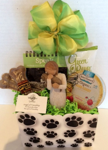 Gifts To Go Custom Gift Basket, Pet Friends, Front View