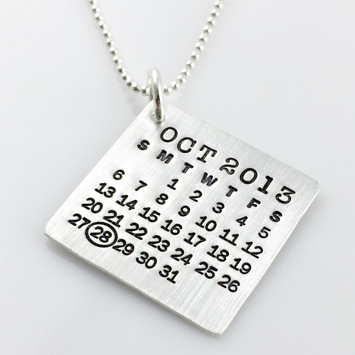 Mark Your Calendar Necklace with oval highlight