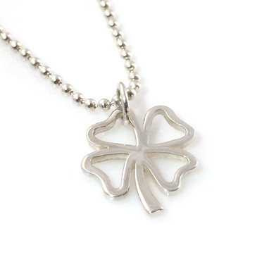 Four Leaf Clover Simple Charm Necklace