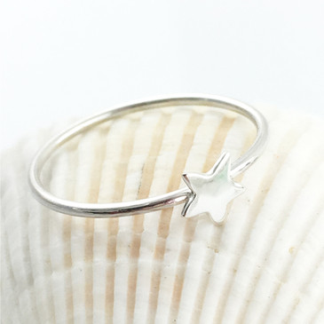 Star Ring in Sterling Silver