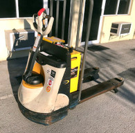 2011 Crown Electric Pallet Jack 4,500 Lb Capacity 4 Pack Gel Batteries
