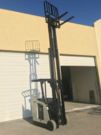 2008 RC5530-30 Crown Electric Forklift Stand-up Rider Dockstoker 36Volts 3000 lbs