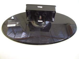 HITACHI L32A403 TV STAND / BASE A34F