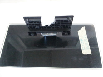 RCA 46LB45RQ BASE / STAND 1442AL0 (SCREWS INCLUDED)