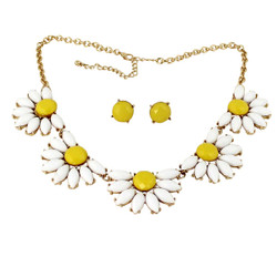 Happy Daisy's Necklace and Earrings Set White and Yellow