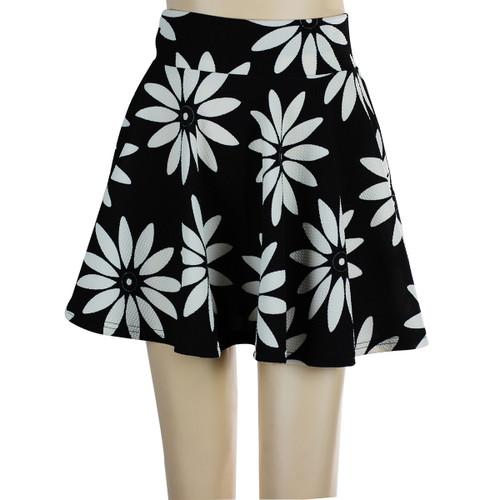 Daisy Short Skater Skirt Black and White
