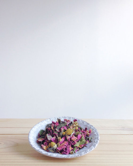 rose & chamomile white tea