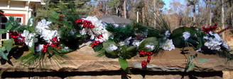 Hydrangea and Berry Garland - White - 4'