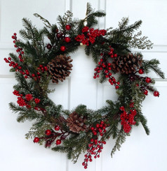 SUGAR PINE CONE BERRY WREATH - 22""