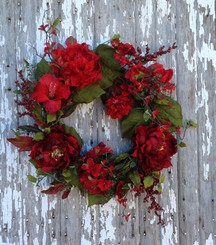 LE JARDIN ROUGE WREATH - 22""