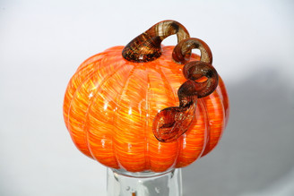 ORANGE/YELLOW PUMPKIN - MD - 5.5 x 5.5""
