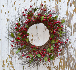 HOLLY BERRY BURST WREATH 24""