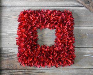 WOOD FLOWER SQUARE WREATH - RED - 15""