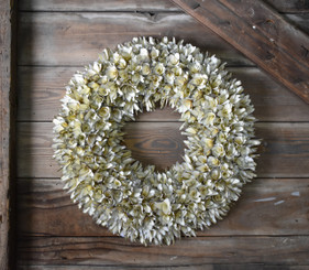 WOOD FLOWER ROUND WREATH - WHITE - 19.5""