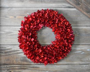 WOOD FLOWER ROUND WREATH - RED - 16.5""