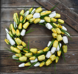 "TULIP GRASS WREATH - 22"" - YELLOW"