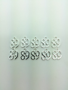 #89 Charm 13x16mm 10 pieces