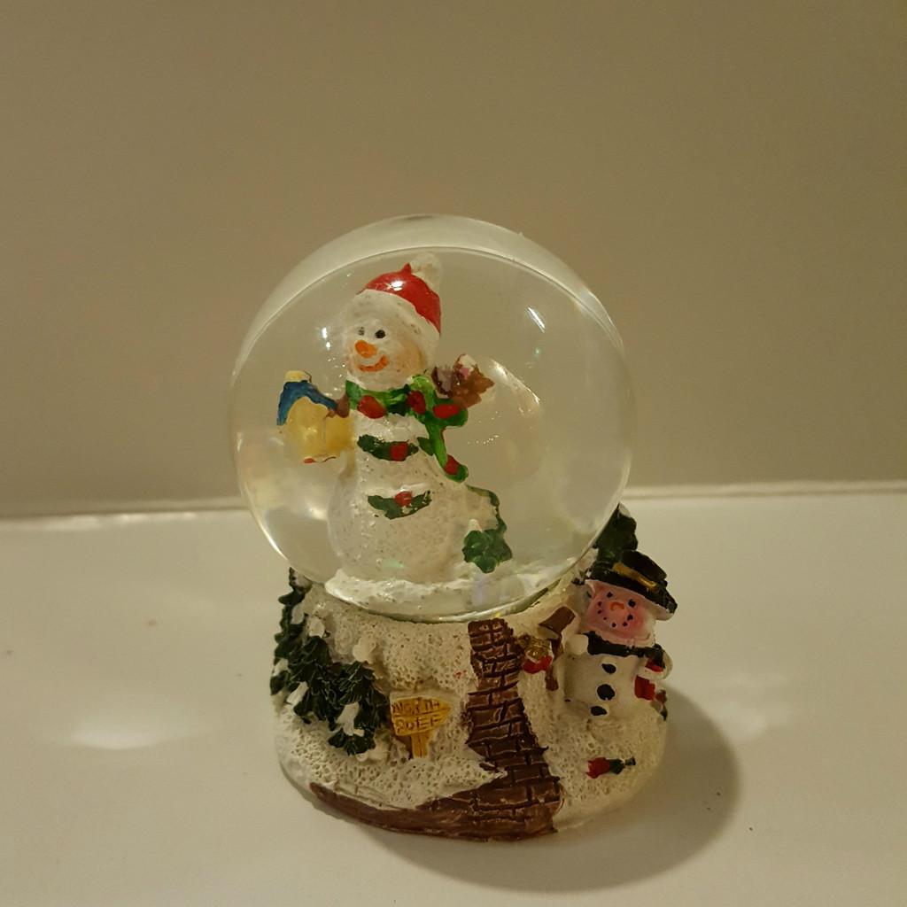 Snowman Mini Snow Dome