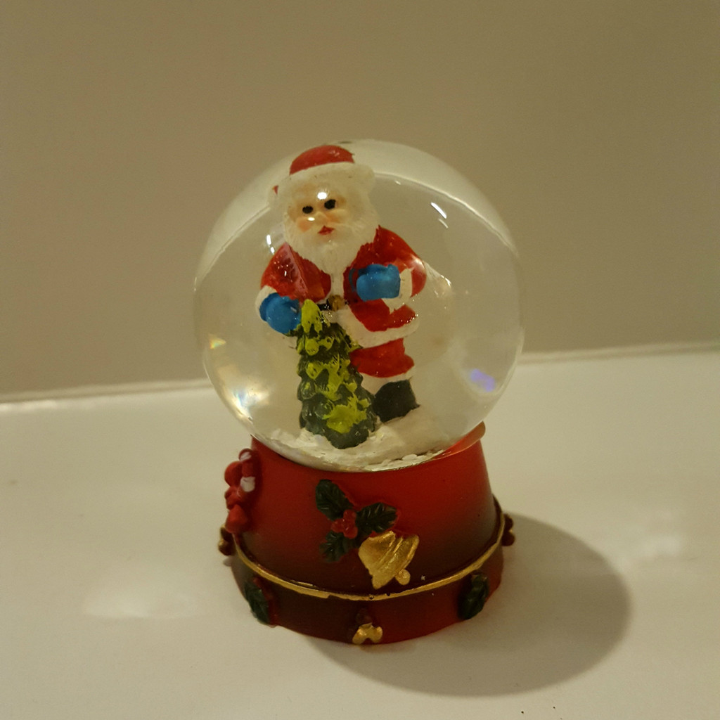 Santa Mini Snow Dome