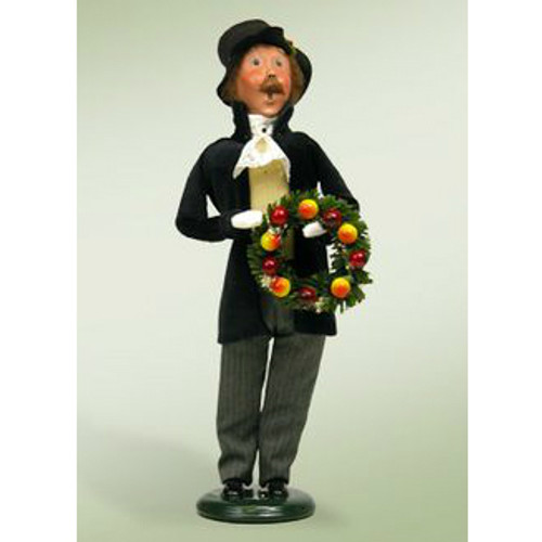 Byers Choice - Man with Wreath
