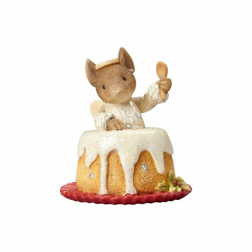 Heart of Christmas- Mouse in Angel Food Cake Ornament