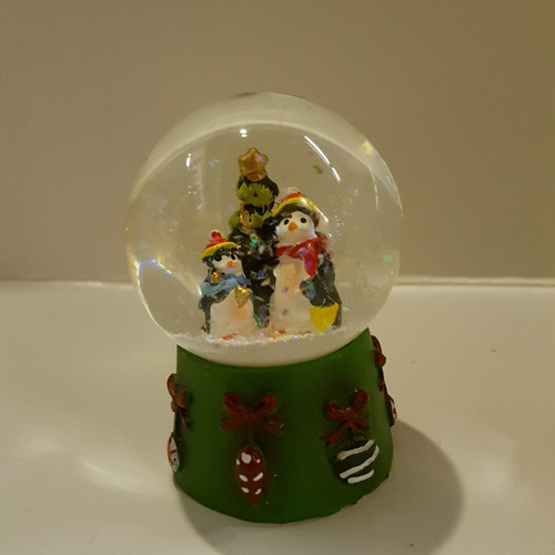 Penguins Mini Snow Dome
