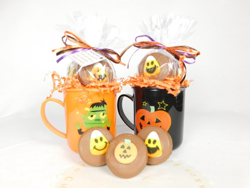 This Halloween Mug contains, 4 decorated chocolate covered Oreos.