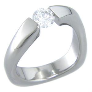 Women's Twisted Tension Set Titanium Ring