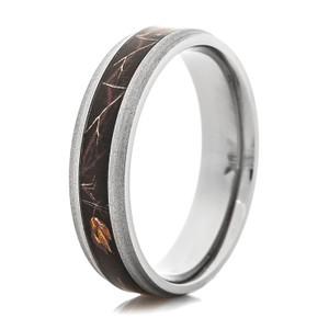 Men's Narrow Titanium Realtree AP Black Camo Ring