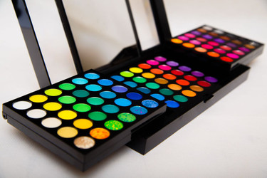 RMB 180 REM Eye Shadow Palette