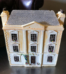 Dollhouse for the dollhouse
