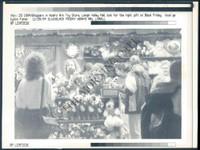 http://images.mmgarchives.com/MC/A-064-MC/AB-9549-MC/ABC-427-MC_F.JPG