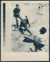 http://images.mmgarchives.com/MC/A-097-MC/AB-6235-MC/AGA-184-MC_F.JPG
