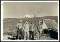 http://images.mmgarchives.com/BS/A-281-BS/AU-1917-BS/BKJ-035-BS_F.JPG