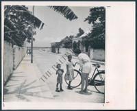 http://images.mmgarchives.com/BS/A-413-BS/AV-1884-BS/BPL-059-BS_F.JPG
