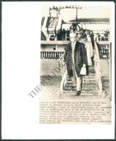 http://images.mmgarchives.com/BS/A-187-BS/AF-6628-BS/BDB-351-BS_F.JPG