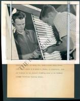 http://images.mmgarchives.com/BS/A-187-BS/AF-4874-BS/BDB-663-BS_F.JPG