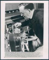 http://images.mmgarchives.com/BS/A-235-BS/AV-1941-BS/BEV-308-BS_F.JPG