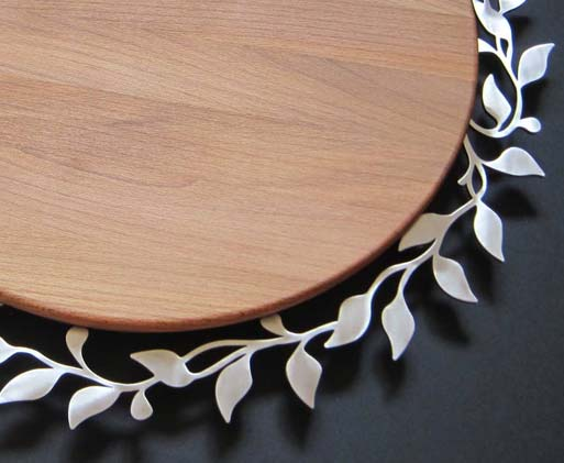 round-spring-challah-board-detail.jpg