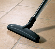 Perfect for tiled and other textured smooth floors, this attachment uses two soft runners to glide seamlessly across the surfaces, whilst removing even the smallest dust particles from all gaps and grooves. For use with S200-400 series canister vacuums.