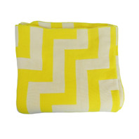 Geo Pulse Throw Knit Yellow