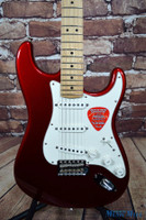 B-Stock Fender American Special Stratocaster Candy Apple Red