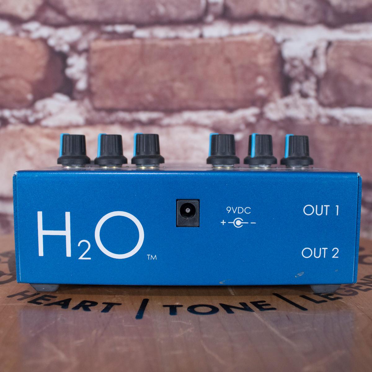 Visual Sound H2O Liquid Chorus and Echo Pedal