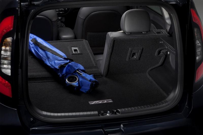 Kia Soul Cargo Mat with Seat Back Protector (G113)