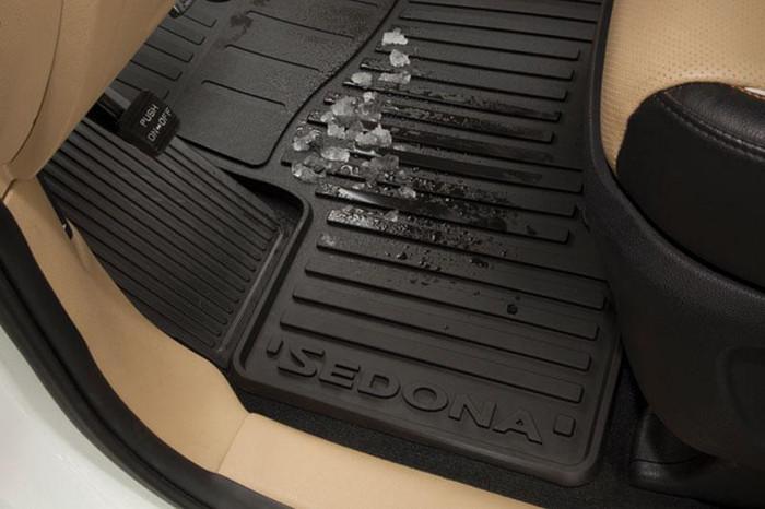 Kia Sedona Rubber Floor Mats (J052)